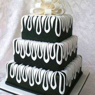Black & White Droplet Cake