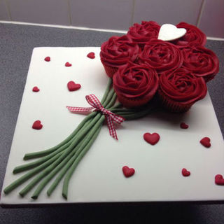 Red Rose Cupcake Bouquet