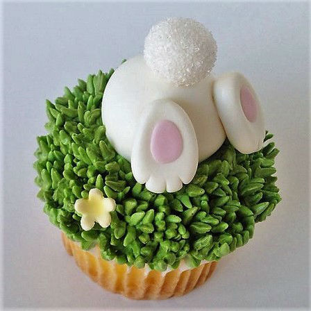 Bottoms Up Easter Cupcakes