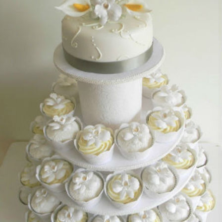 Cupcake Display - Plain with Flower