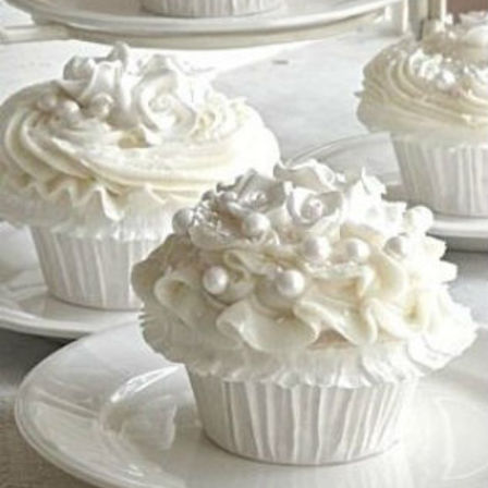 White Delight Cupcakes